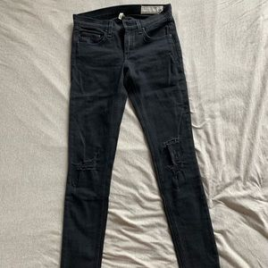Rag and bone black skinny with whole size 25
